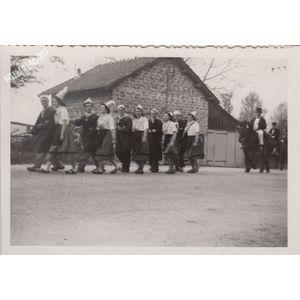 Montferrat : fête de la terre en 1949