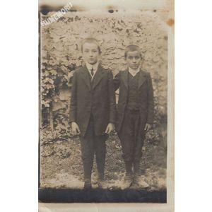 carte-photo de garçons de la Buisse