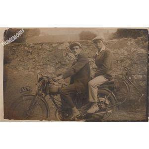 carte-photo de motards de la Buisse