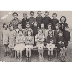 la Bâtie-Divisin : école en 1945