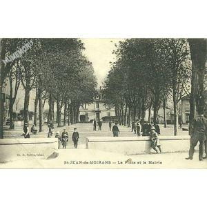 St-Jean-de-Moirans la Place et la Mairie