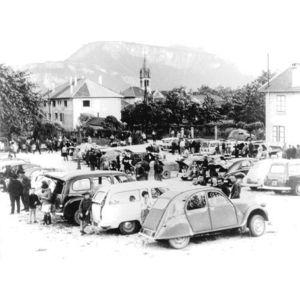 St Jean de Moirans : marché aux cerises après 1950