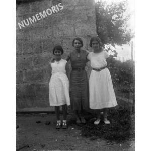 PV coublevie 3femmes 1930env BBC