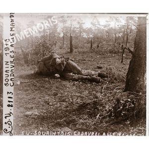 PV 2113 SOUAIN 1915 cadavres allemands BBC