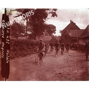 PV 432 ABLAIN cyclistes Anglais BBC