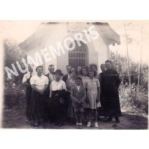 groupe devant chapelle
